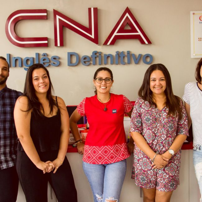 Equipe de professores do CNA Mirassol (Foto: Natália Campanholo)