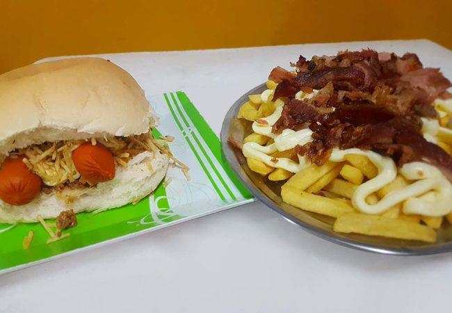 Hot dog acompanhado de fritas com catupiry e bacon (Crédito: Mirassol Conectada)