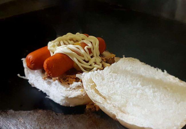 Hot Dog no pão de hambúrguer e com duas salsichas também vai estar em promoção (Crédito: Mirassol Conectada)