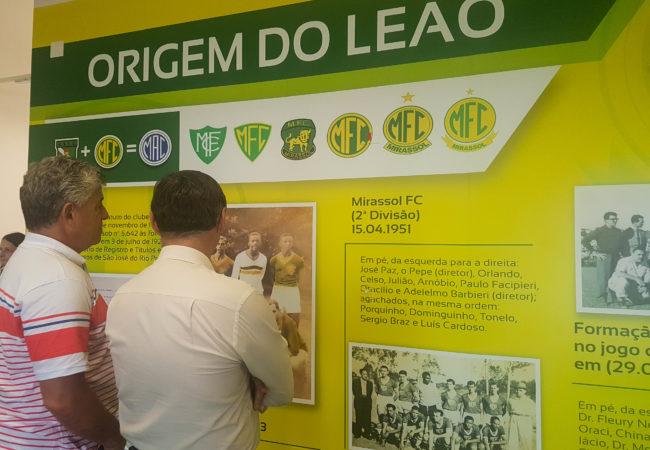 Painel contando a história do Mirassol FC (FOTO: JULIANA ELIAS/MIRASSOL CONECTADA)
