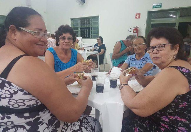 vila vicentina moradores comendo 16