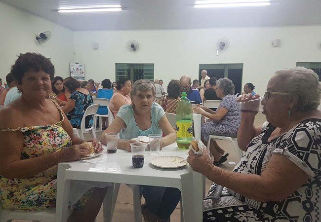 vila vicentina moradores comendo 9