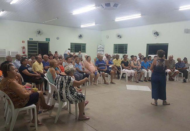 Palestra sobre saúde na Vila Vicentina (Foto: Juliana Elias/MC)